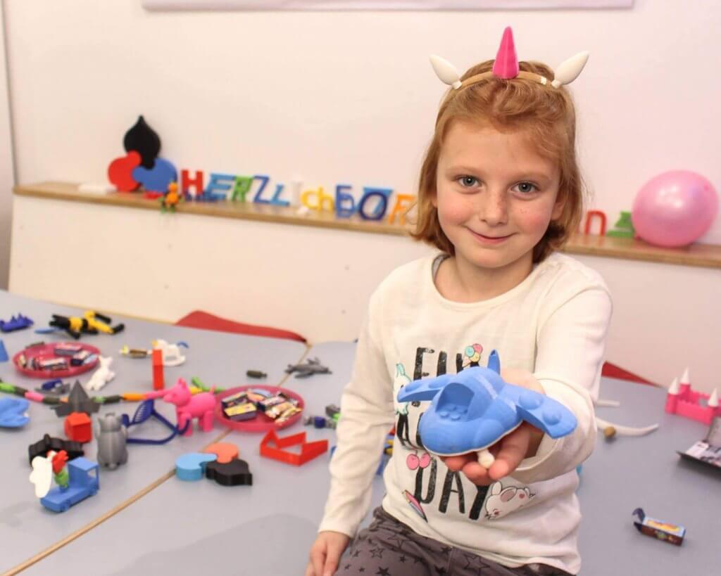 Fröhlich Feiern beim Kindergeburtstag in Leipzig