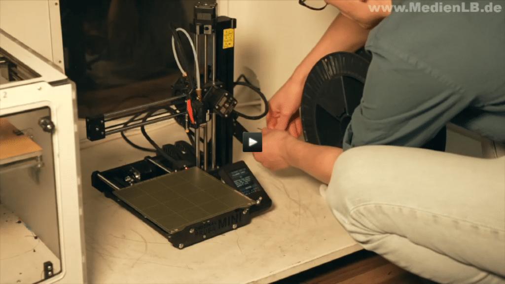 Lehrfilm: 3D-Konstruktion und 3D-Druck im Unterricht mit TinkerSchool - Druckvorbereitung