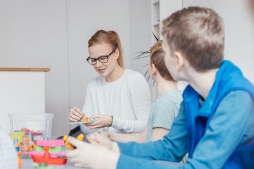 Umfangreiches kostenfreies Unterrichtsmaterial für 3D-Konstruktion und 3D-Druck in der Schule